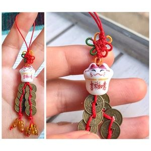 ✧3/$12✧ Lucky Cat (Maneki Neko) Coin Keychain